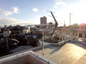 岡山市にある電気配線工事、ネットワーク構築の㈱大野木電気通信の共同アンテナに地デジアンテナ追加工事